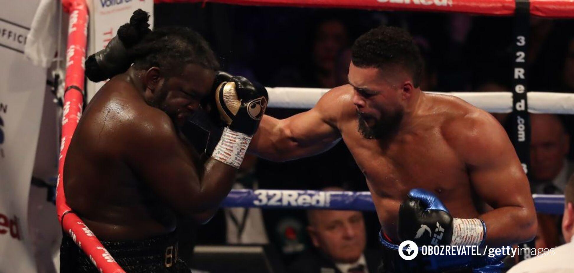 Экс-чемпиона мира по боксу забили в титульном бою - опубликовано видео