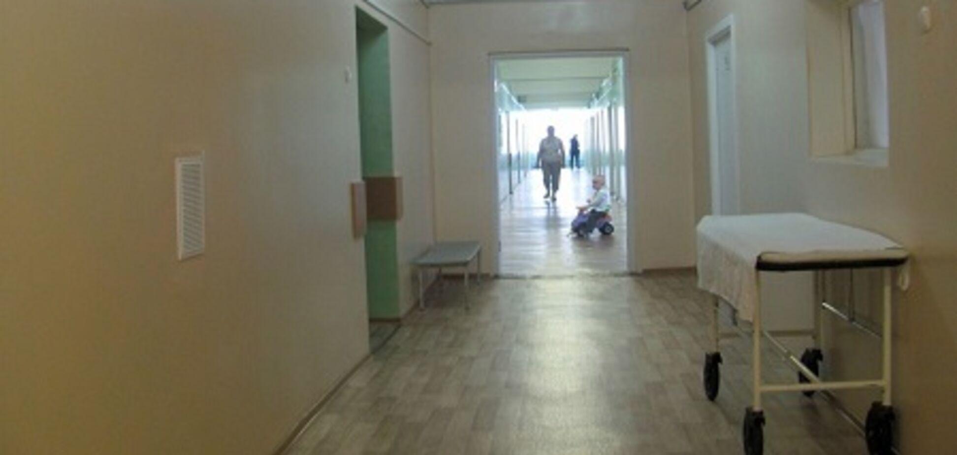 Принимают воинов в коридоре: вокруг больницы наДонетчине разгорелся скандал