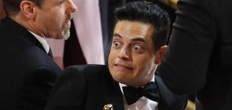 Получившая 'Оскар' звезда рухнула со сцены вместе со статуэткой