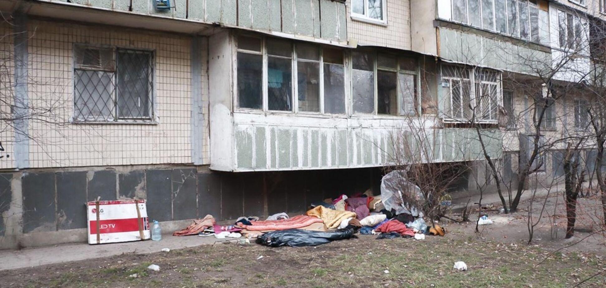 В Киеве возле многоэтажки нашли труп женщины