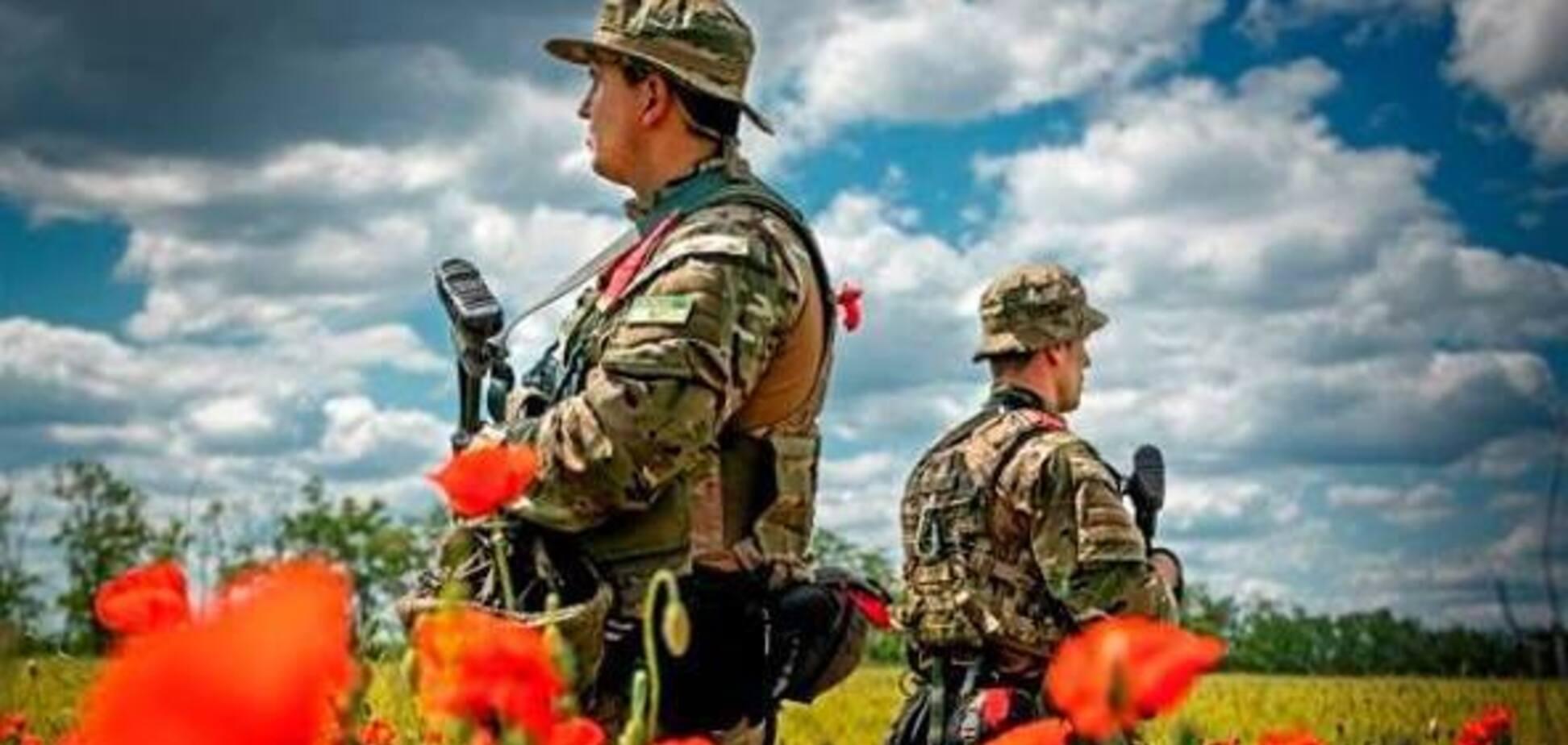 Ворога зупиняє не зброя, а той, хто цю зброю тримає міцно!