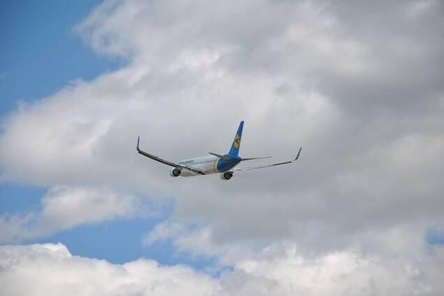 Из-за военного конфликта в Индии задержан рейс с украинцами