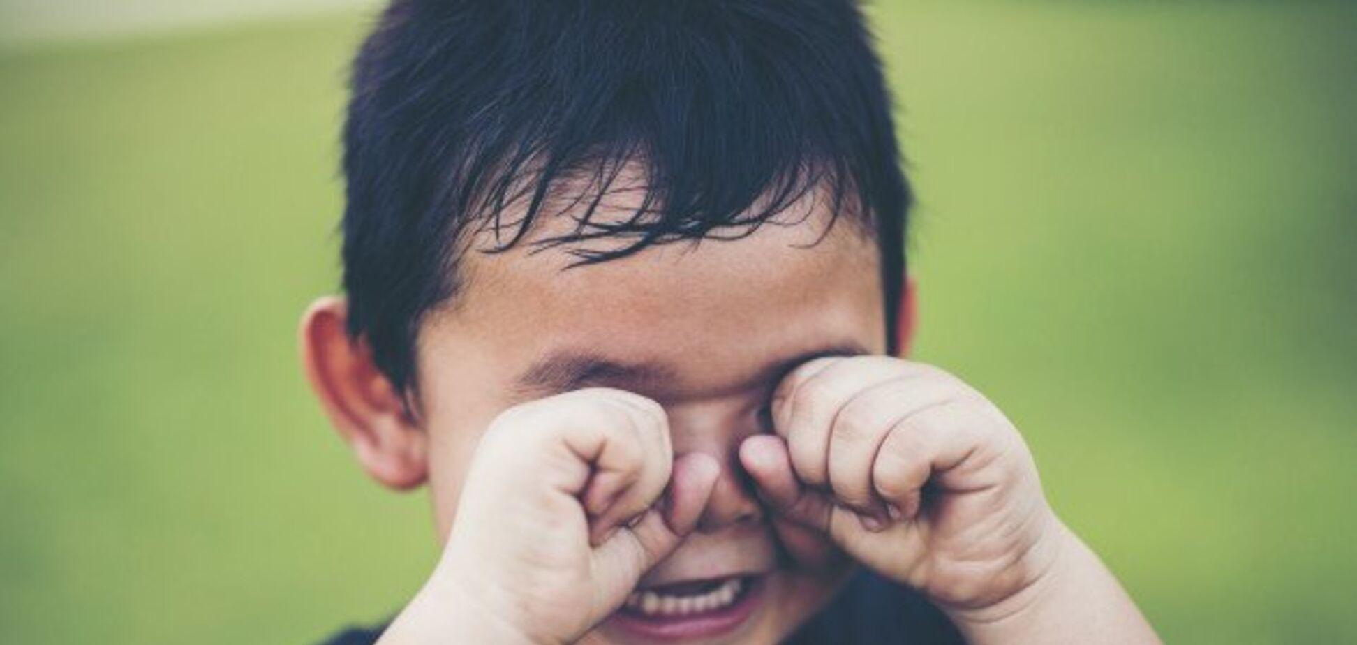 На Житомирщине скандал в детсаду: воспитатель в наказание поиздевалась над 4-летним малышом. Фотофакт