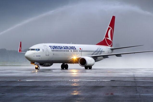 Иллюстрация. Боинг-737 Turkish Airlines
