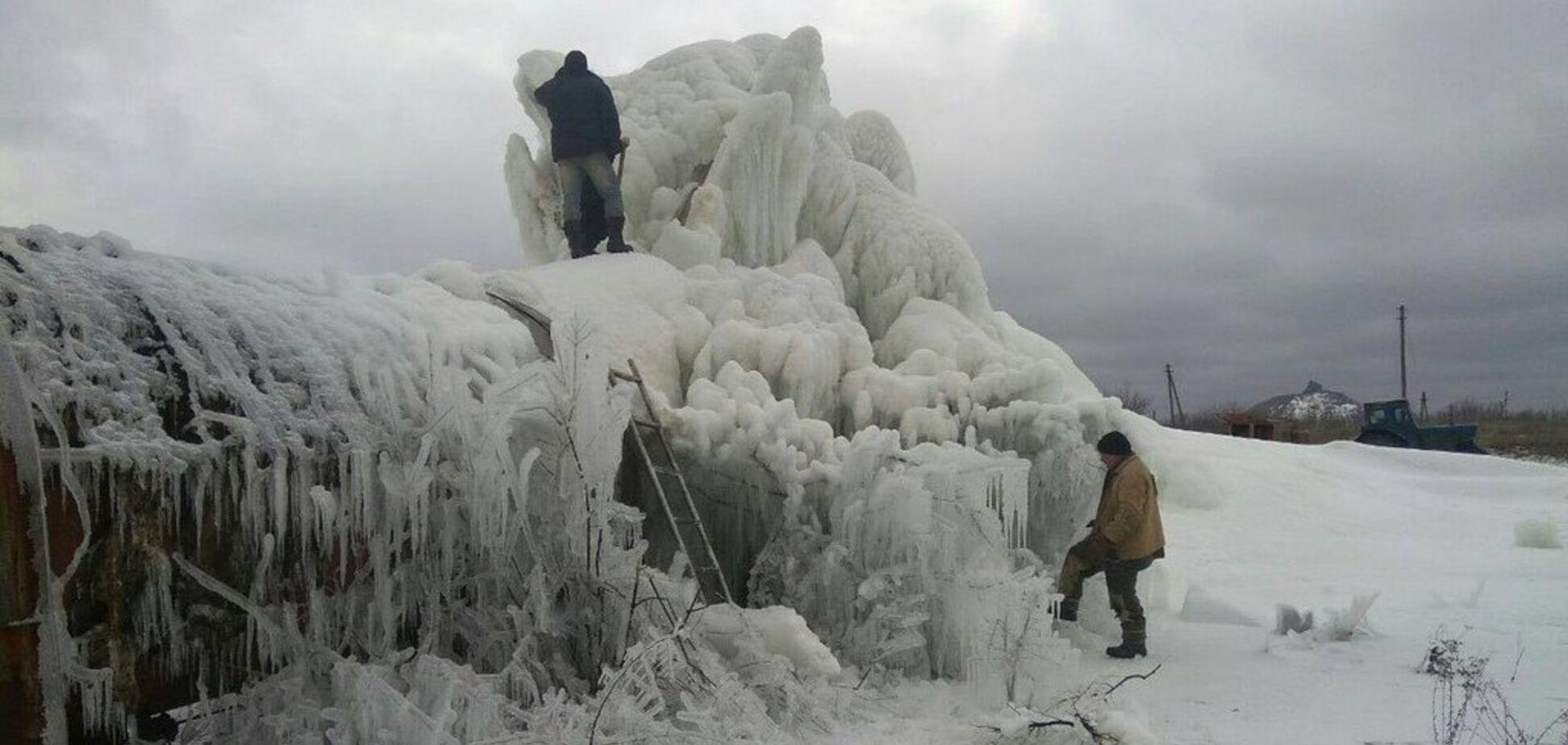 'Дошел до Арктики – соси сосульки!' В 'ДНР' показали ледяной коллапс Захарченко