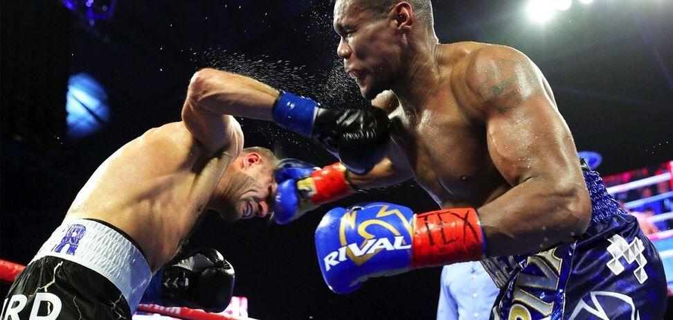 Кращий боксер Росії побив колумбійця і став новим чемпіоном світу - опубліковано відео