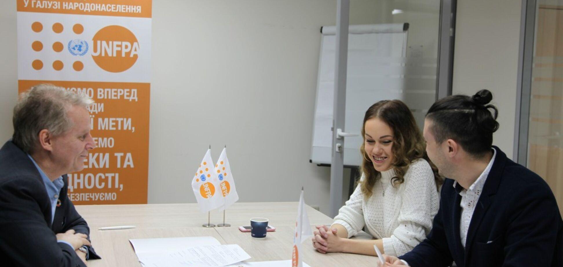 Семья Alyosha и Тараса Тополи стали друзьями Фонда ООН