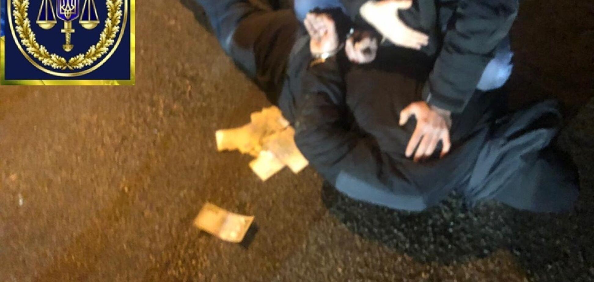 В Киеве на крупной взятке задержан замдиректора государственной ''оборонки'': детали спецоперации