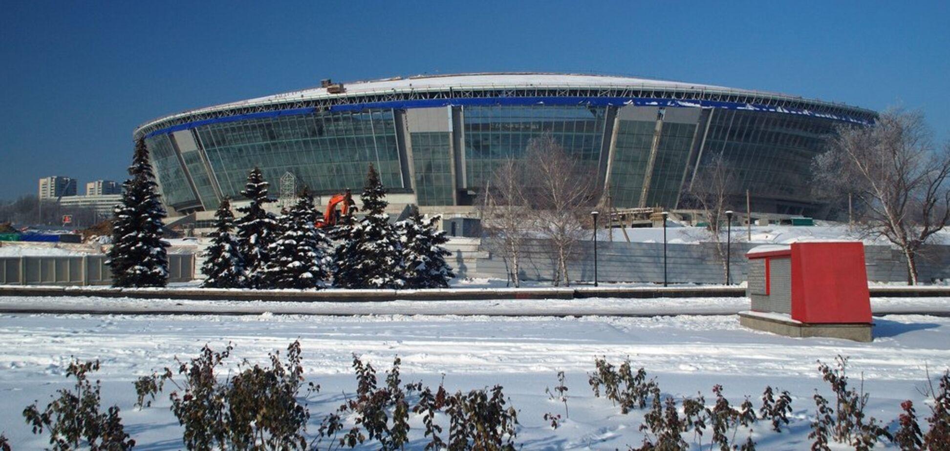 Донбасс Арена сегодня: дыры в стадионе и разбитые стекла