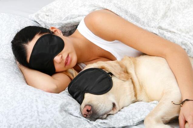 Продлевает жизнь: ученые назвали оптимальную позу для сна