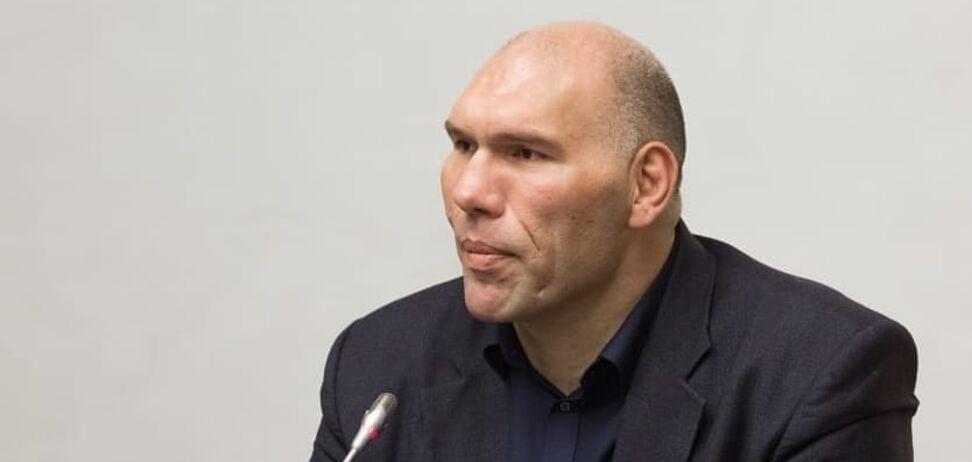 ''Треба вчитися'': Валуєв відзначився несподіваним висловлюванням про Усика