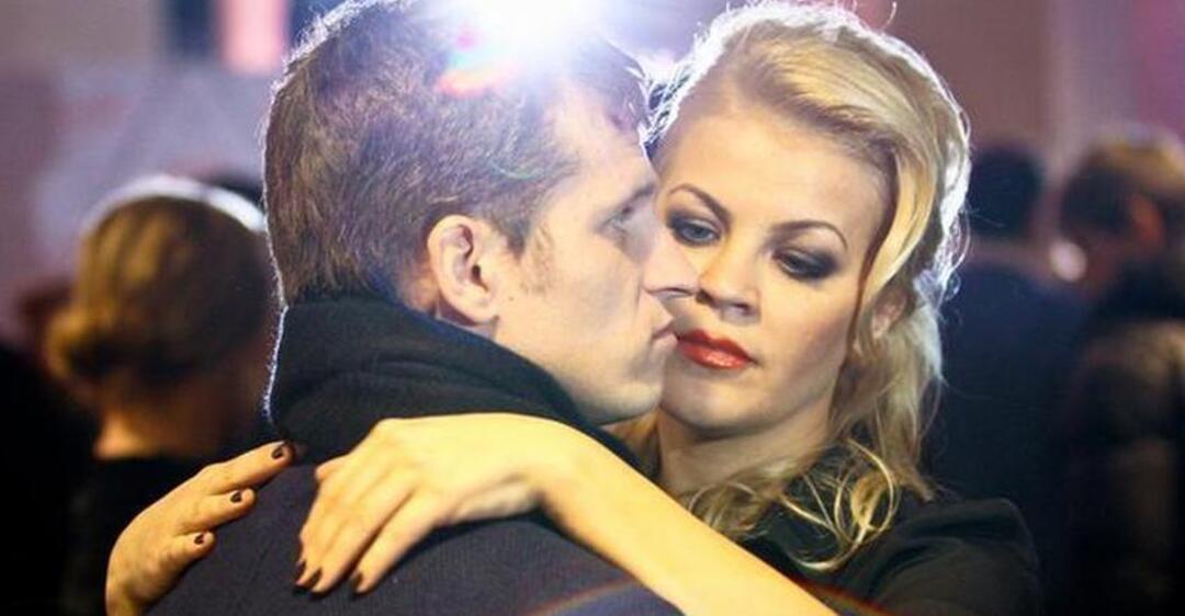 Екс-динамівець Алієв показав відверте відео з п'яною напівголою дружиною