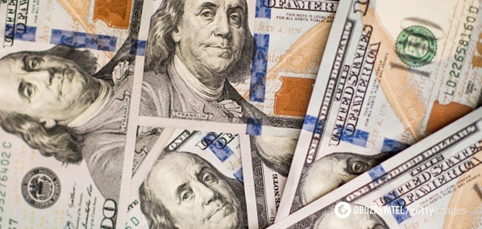 Обмен на почте и зарплата в долларах: раскрыты детали закона о валюте