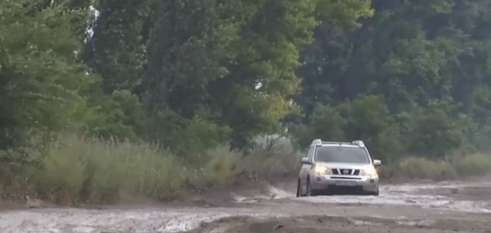 'Смерть машинам': самая страшная трасса Украины попала на видео