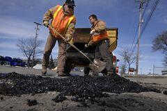 ''Дякуємо людям за терпіння'': в ''Укравтодорі'' відзвітували про ремонт доріг