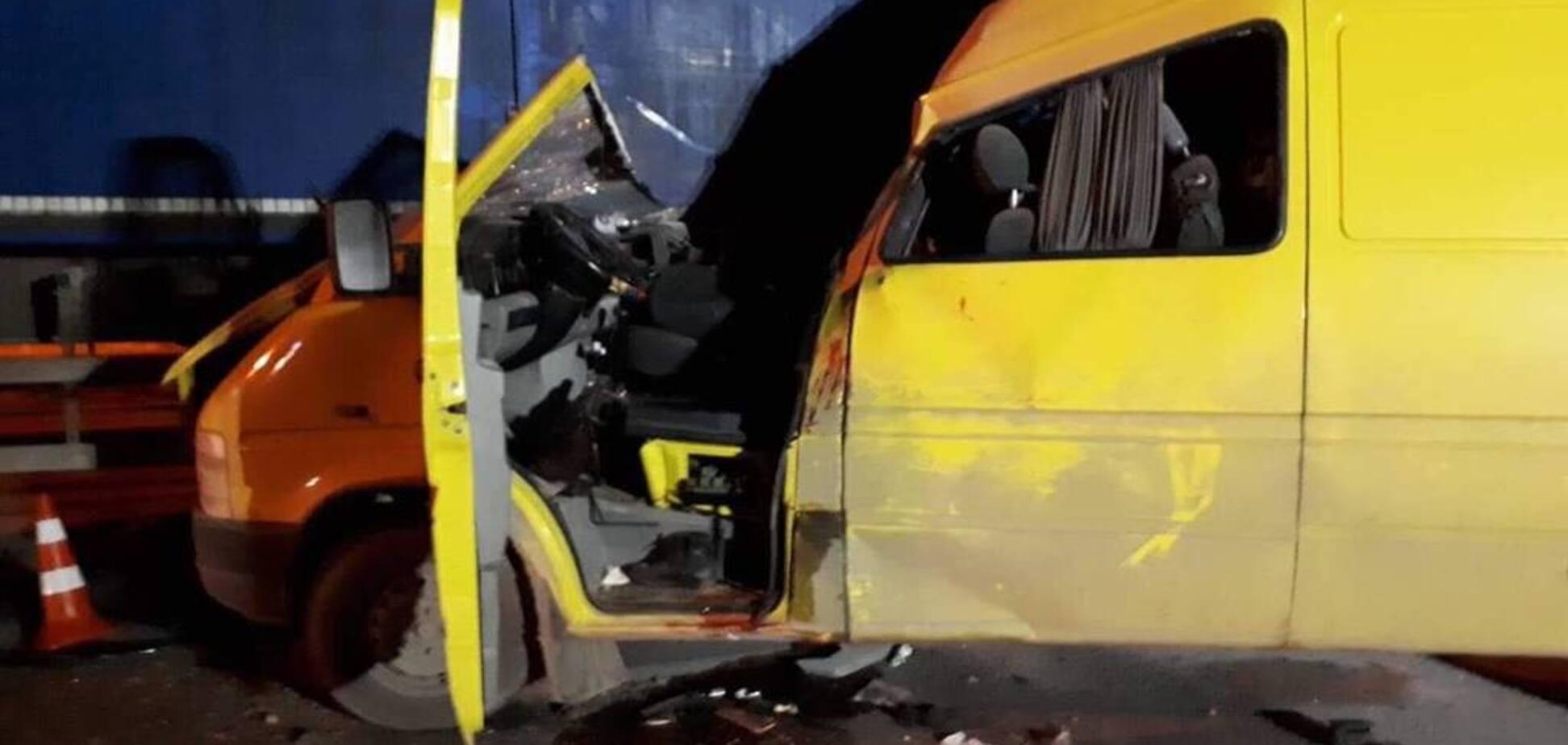 Під Вінницею в ДТП розбилися іноземці: багато жертв та постраждалих. Фото