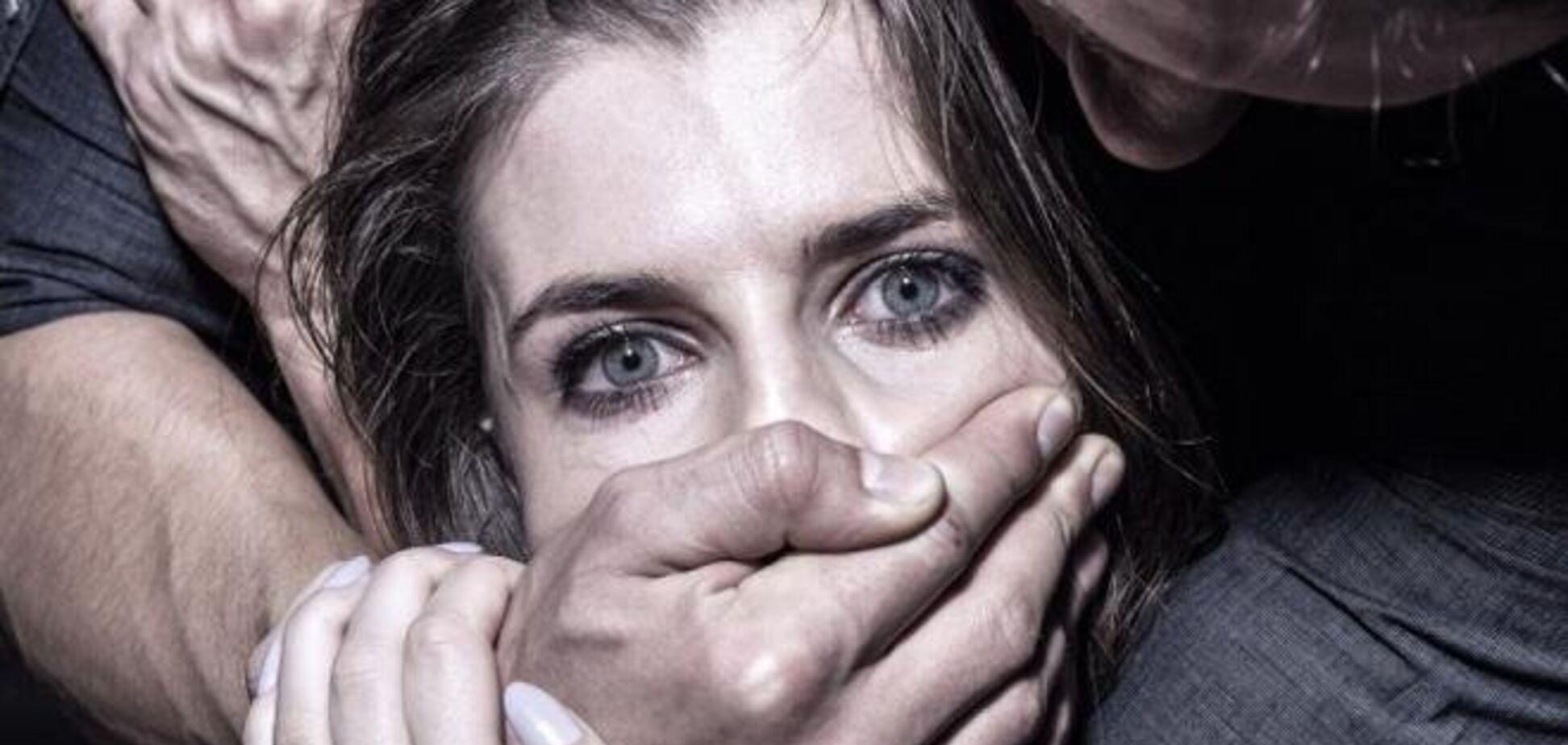 В Запорожской области девушке удалось вырваться из рук маньяка