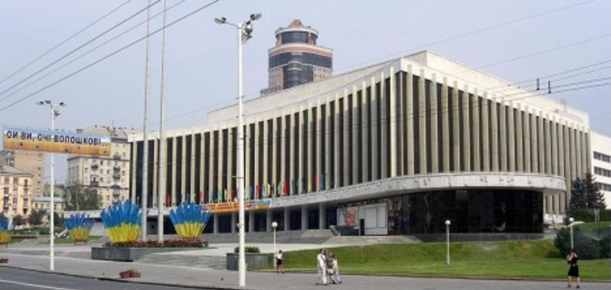 ''Заборонено!'' Соратник Черновецького побудує хмарочос біля Палацу ''Україна''