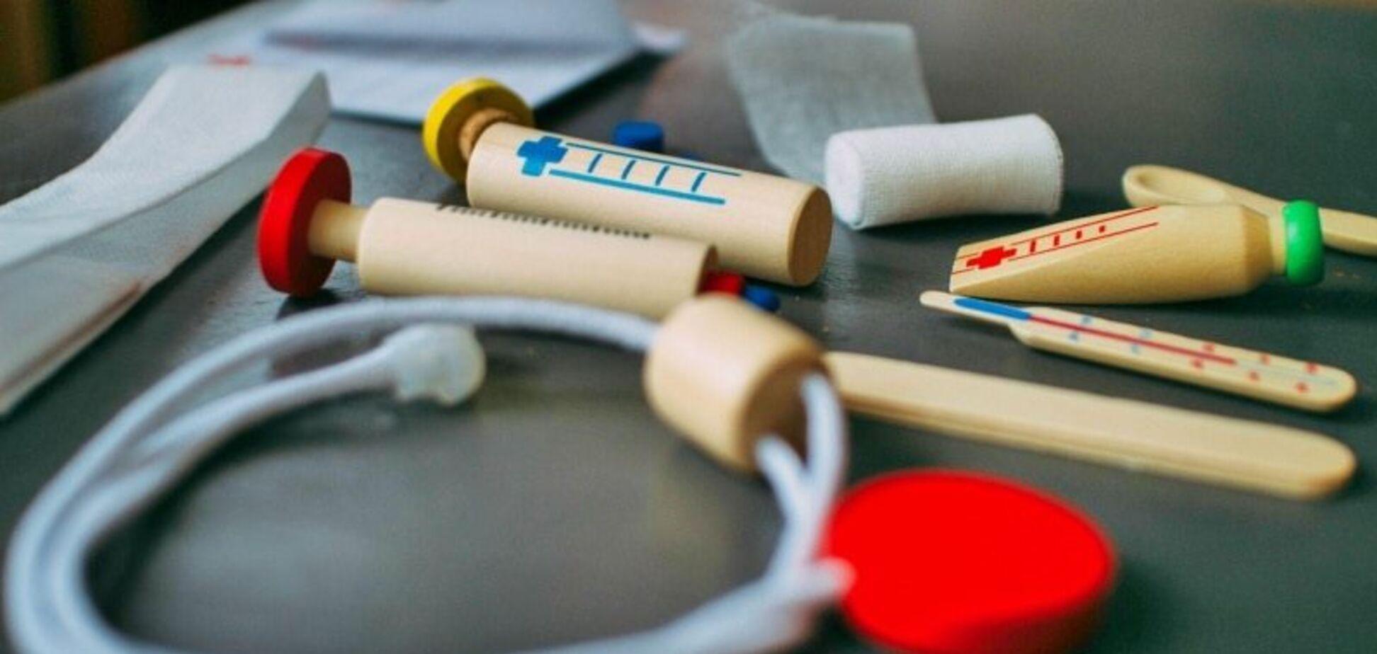 Клоуны в штате, запрет на солярий и другие особенности медобслуживания в Латвии
