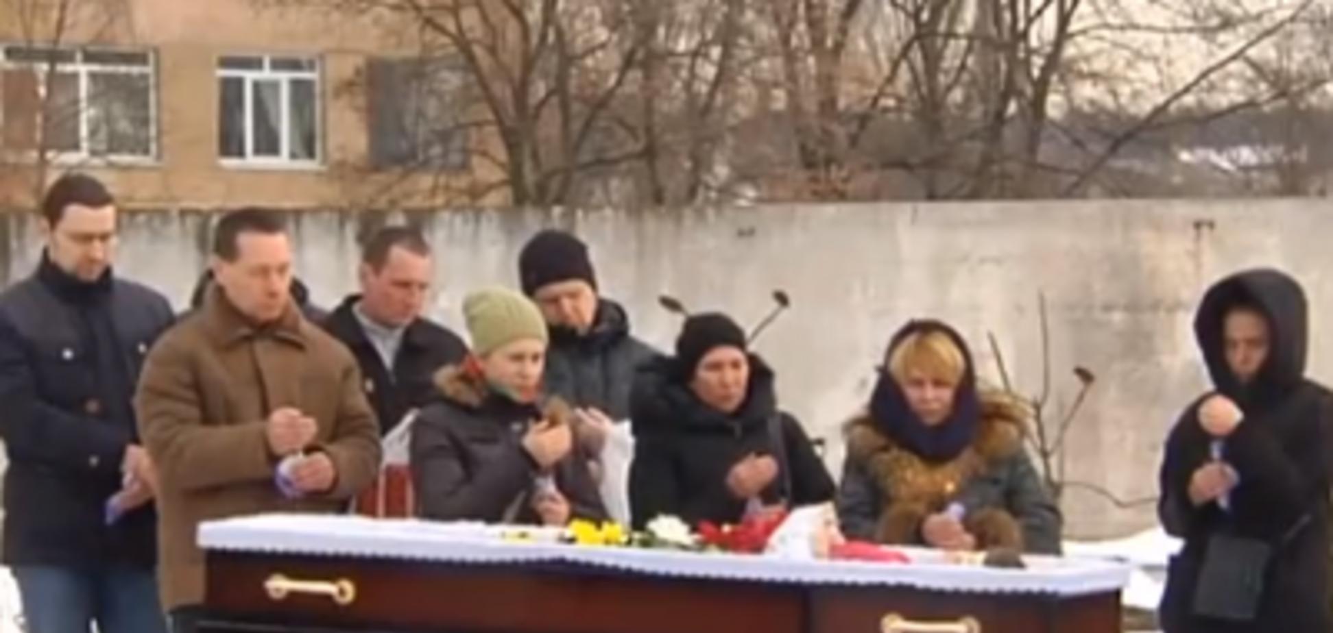 'Усе обличчя синє': смерть жінки у пологовому будинку Києва викликала скандал
