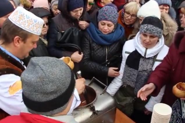 В Полтаве устроили потасовку из-за уличной еды