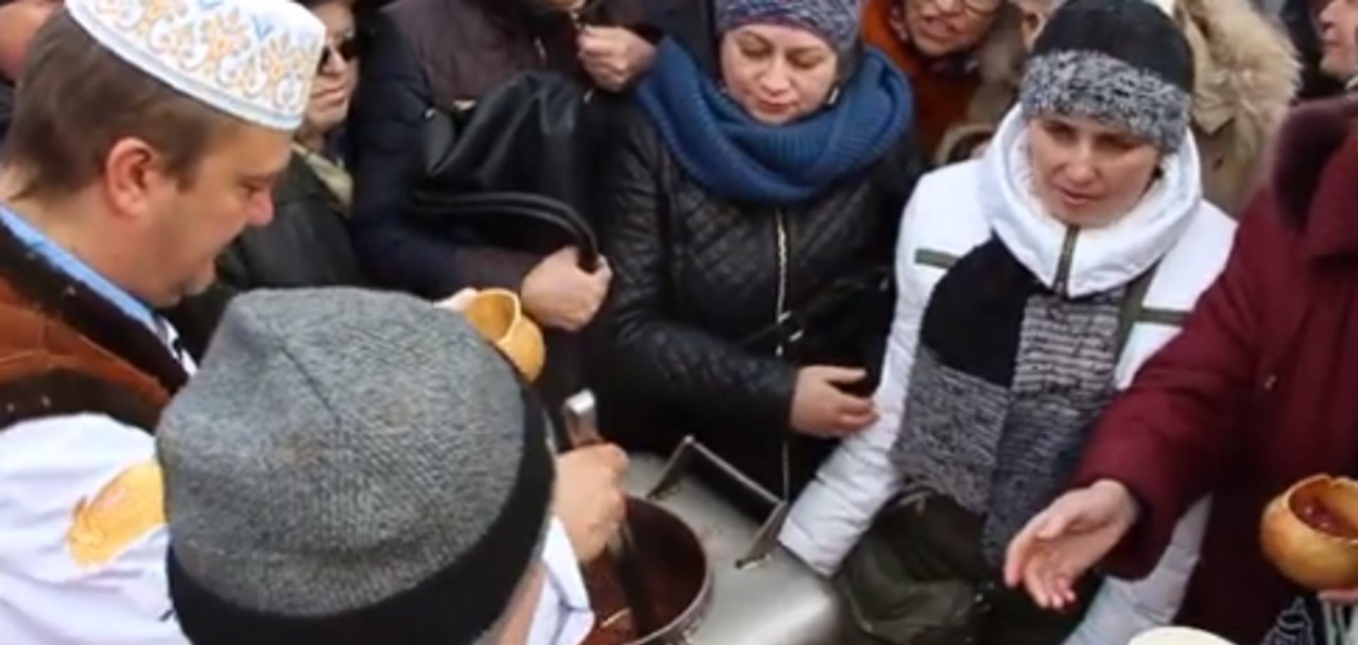 В Полтаве устроили потасовку из-за уличной еды: красноречивое видео