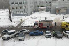 'Детей закрыли!' В России устроили стрельбу возле школы. Первые фото и подробности