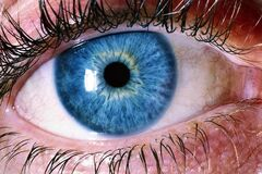 Сигнал про допомогу: названа серйозна небезпека 'втомлених' очей