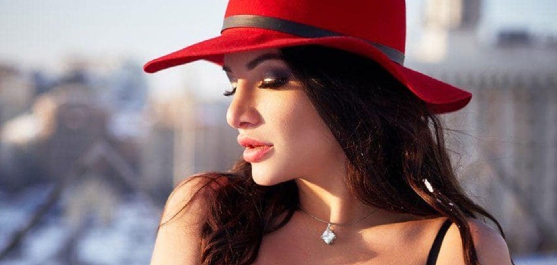 'Вырезали часть кости': модель Playboy рассказала о страшной болезни