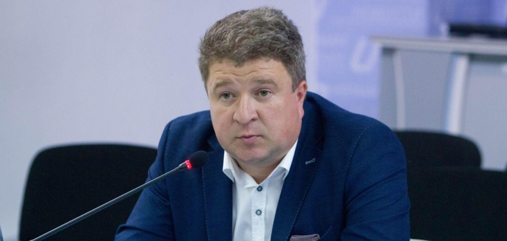 Избил жену и соседку, выбросил пса из окна: в Киеве экс-глава известной ассоциации устроил дебош