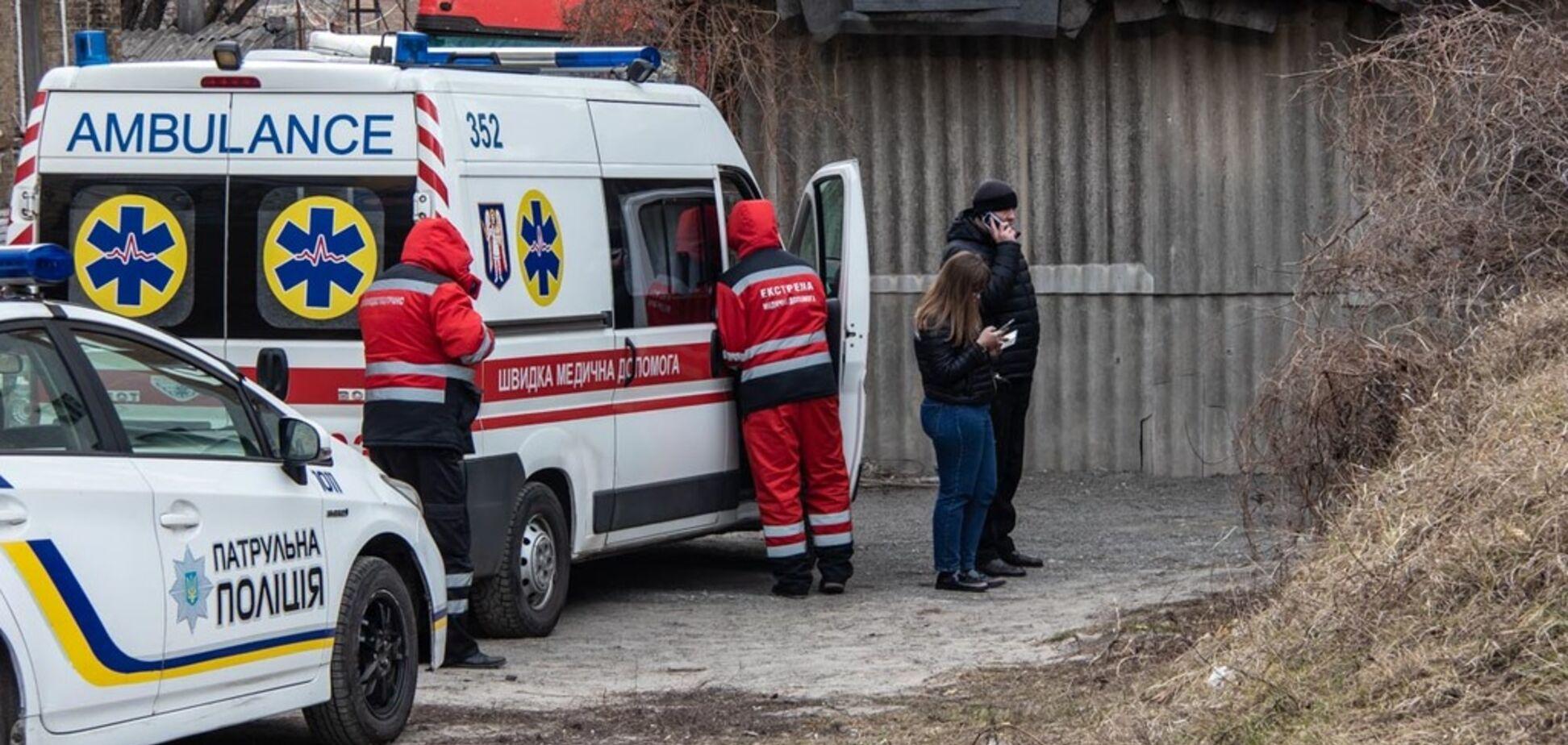''Руки покраснели от крови'': в Киеве возле церкви нашли труп