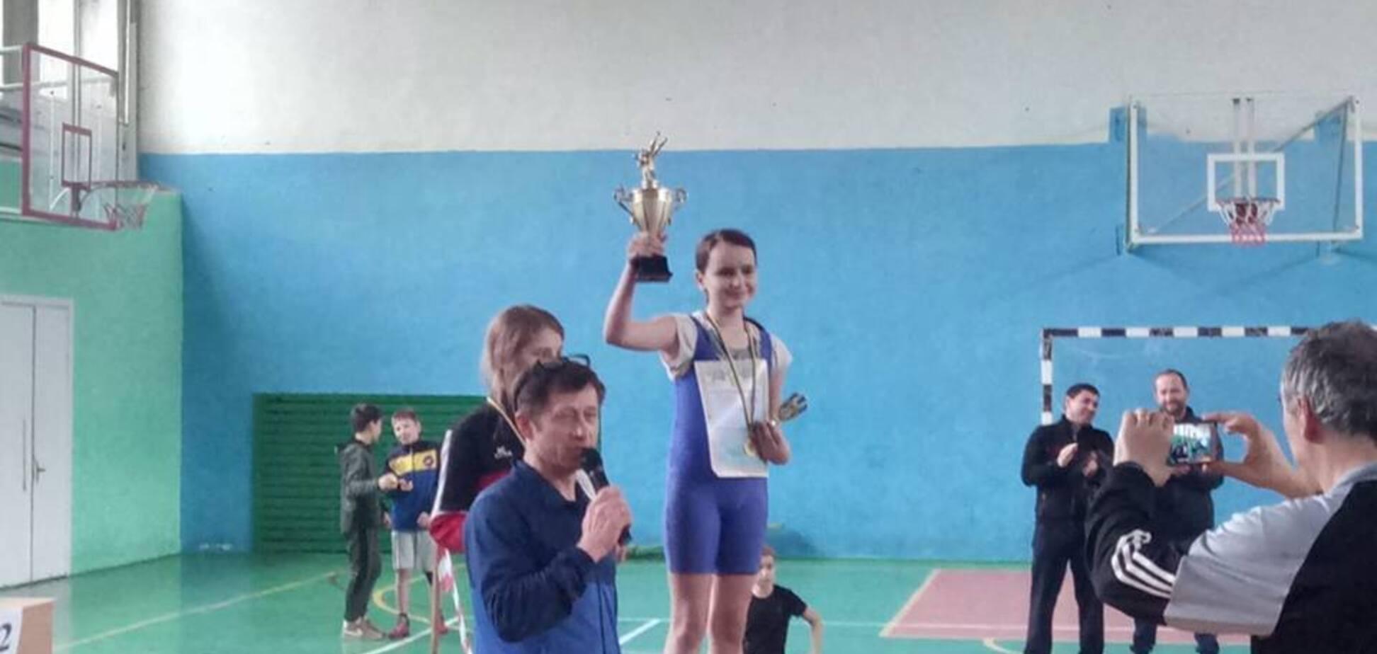 Українська школярка повернула 150 тисяч гривень: мережа в захваті