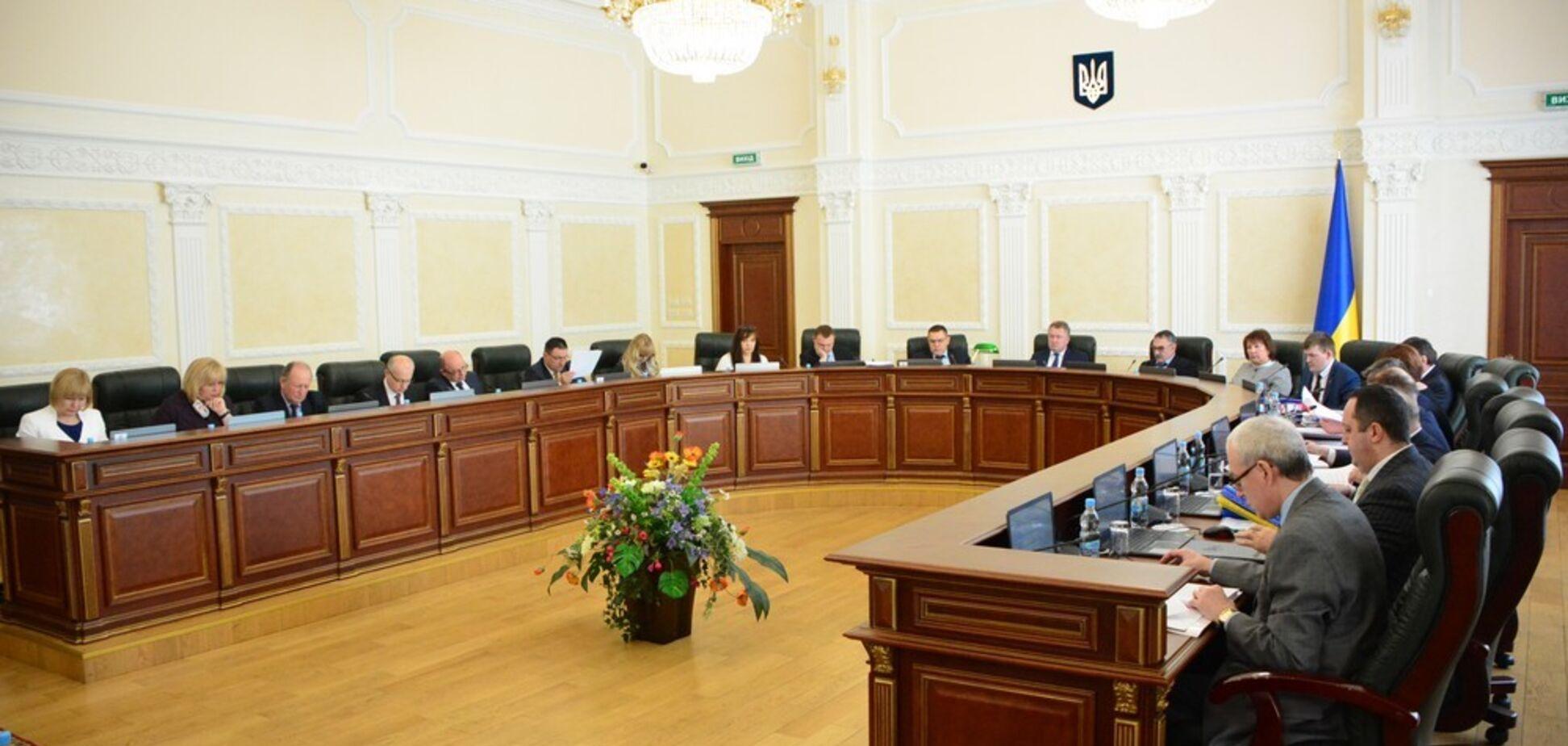 Антикорупційний суд в Україні: ВРП рекомендувала Порошенку 35 кандидатів