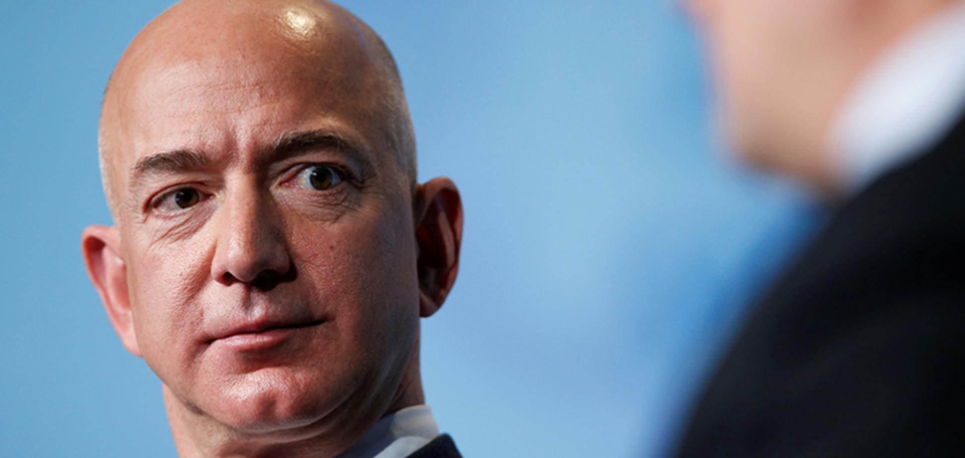 Стало відомо, хто продав ЗМІ інтимний компромат на главу Amazon