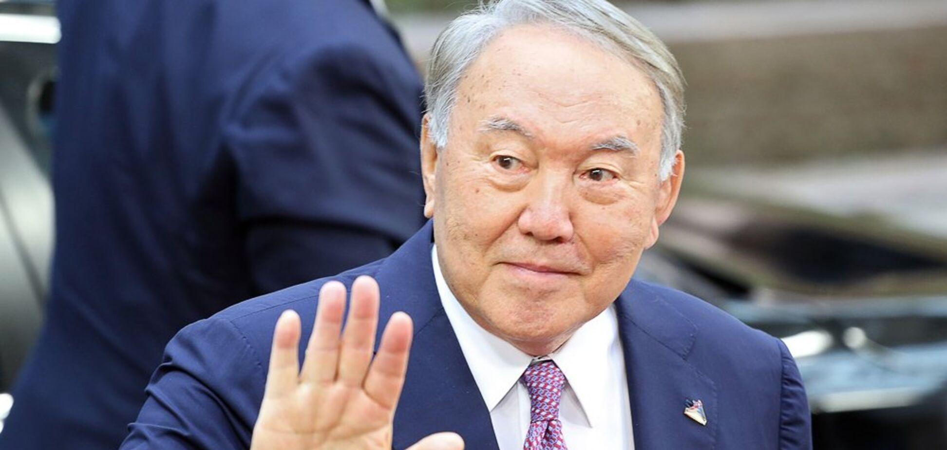 Замішаний Крим: Латиніна розкрила причину відставки президента Казахстану