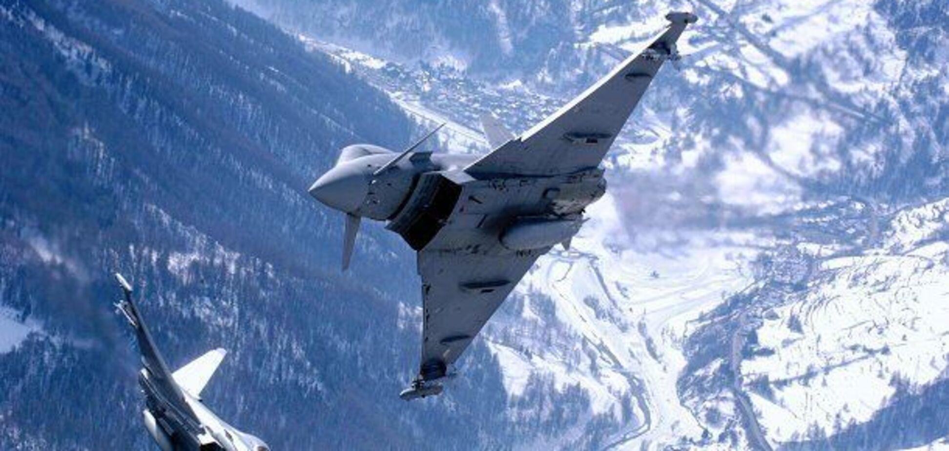 Військові літаки Росії і НАТО 'зіткнулися' в небі: що відомо