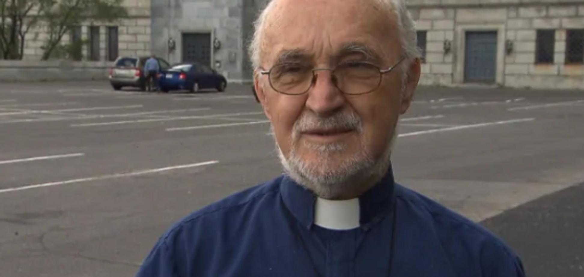 У Канаді священика ударили ножем під час меси: з'явилися жорсткі кадри