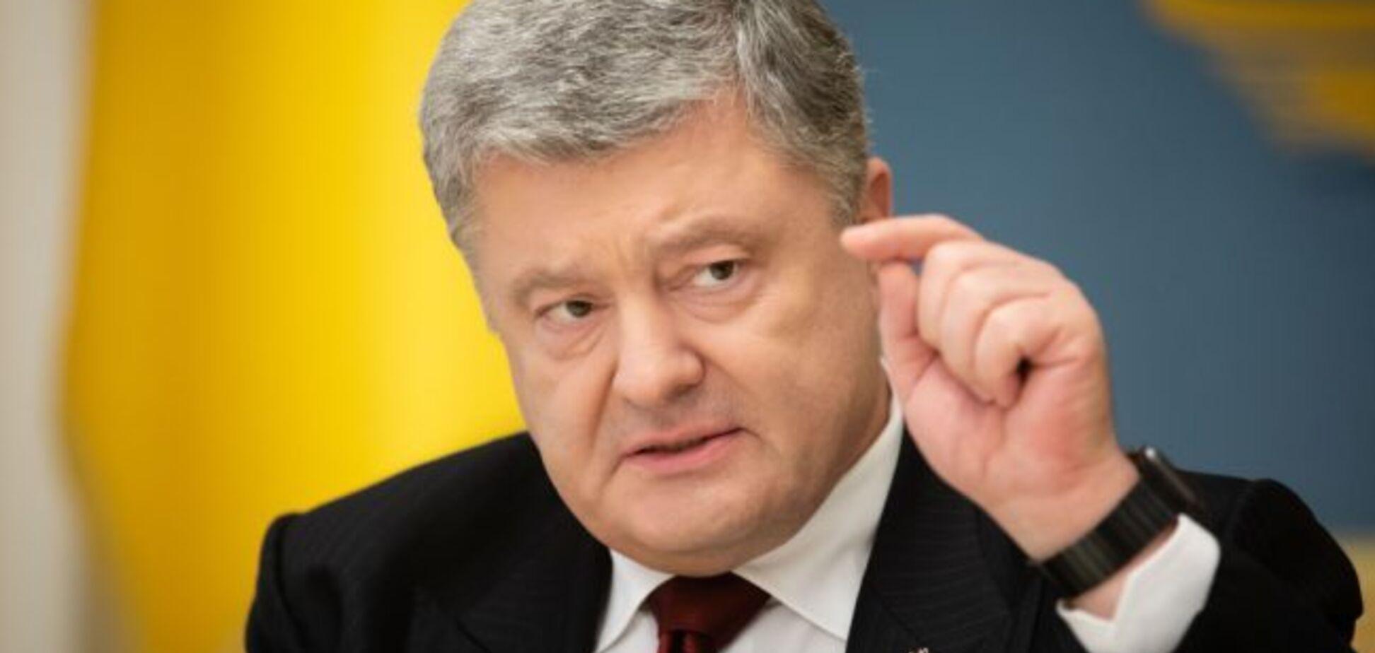 Порошенко пообіцяв зайнятися поверненням Криму і Донбасу після другого туру