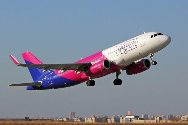 Из-за агрессии Путина? Wizz Air не пустила в самолет известных российских журналистов
