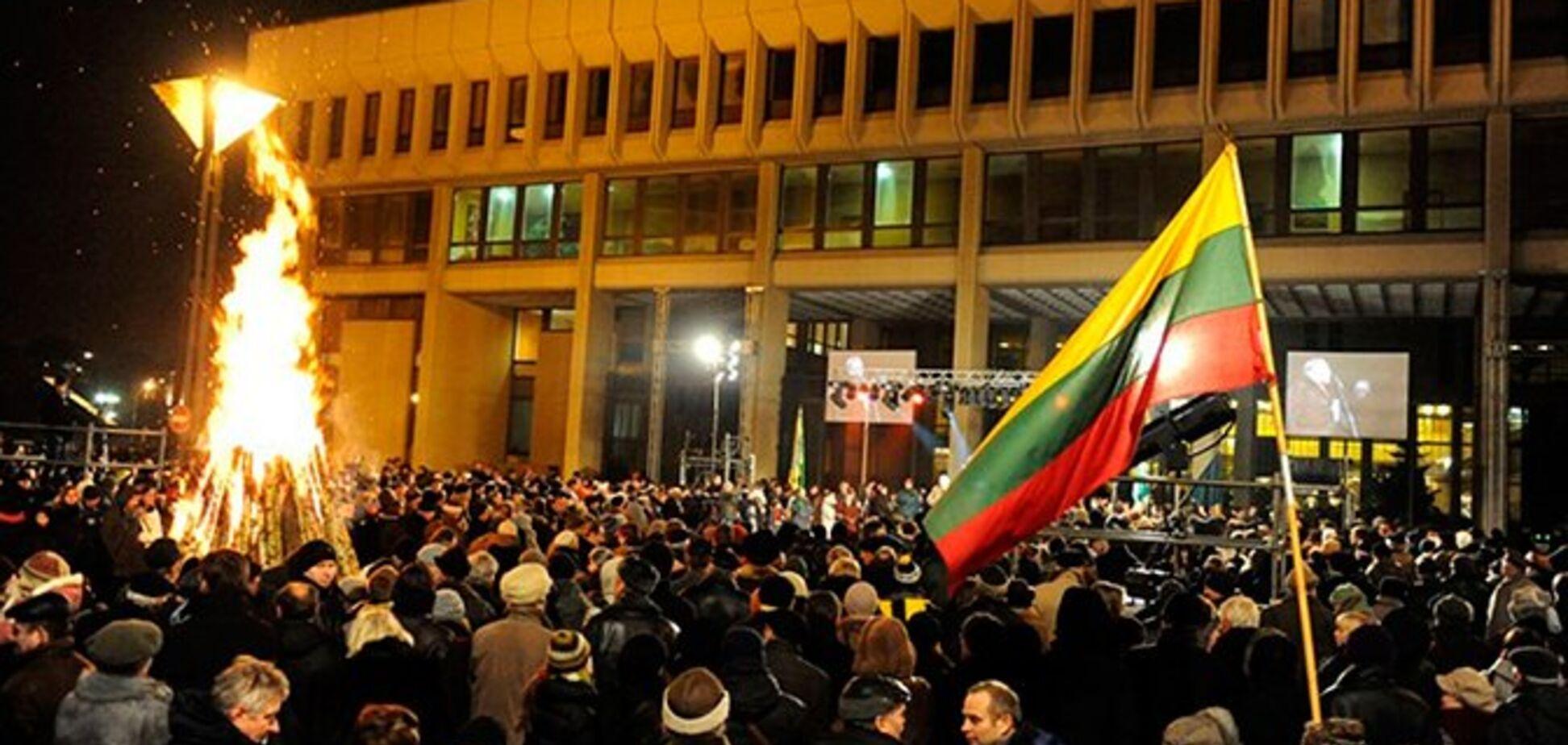 Російських журналістів і дипломатів не пустили на суд у Литві: що відомо