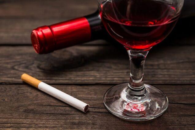 """Определен """"сигаретный эквивалент"""" бутылки вина"""