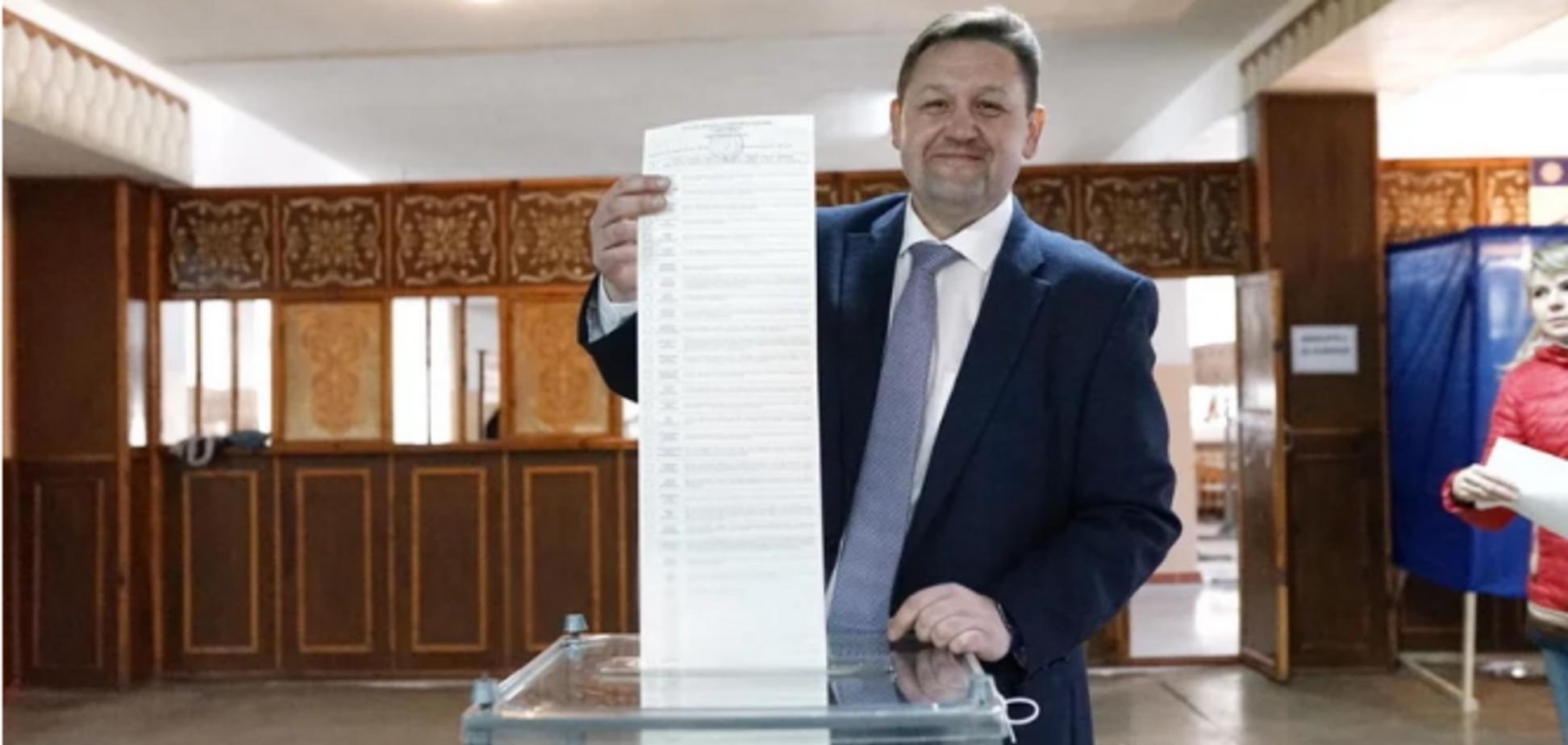 Вибори президента України: топ-чиновники попалися на порушенні закону