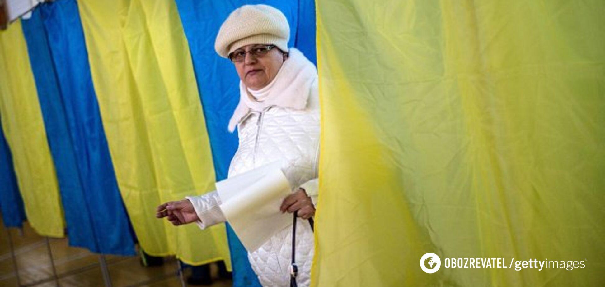 Все в вышиванках, очереди на несколько кварталов: как голосуют украинцы в мире