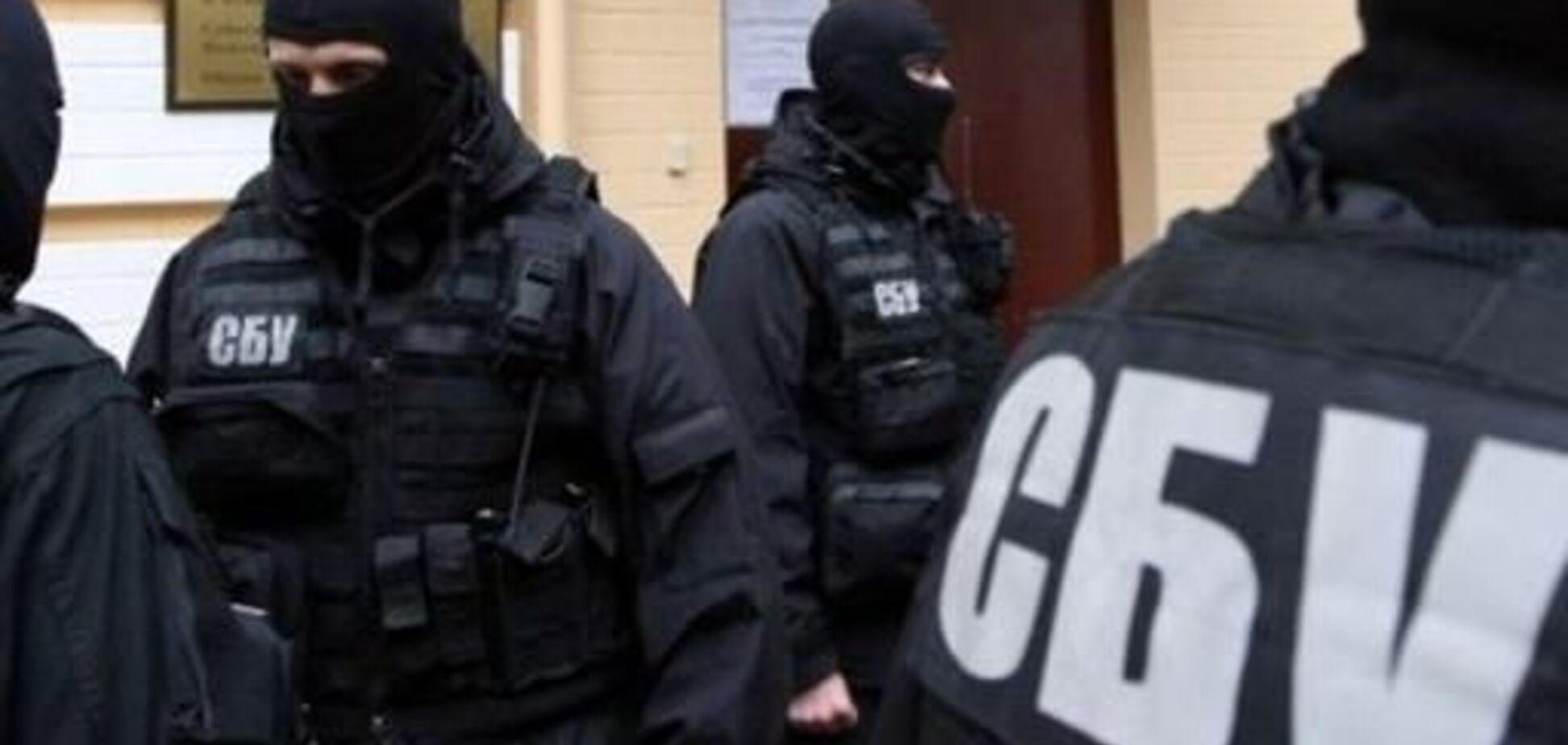 Лив бруд на Україну: СБУ нагрянула до скандального журналіста