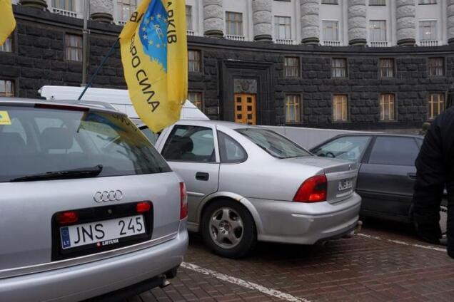 """""""Евробляхеры"""" готовят протесты: в Украине могут исчезнуть авто на еврономерах"""