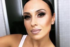 Учасниця 'Танців з зірками' оголила груди в пікантній фотосесії