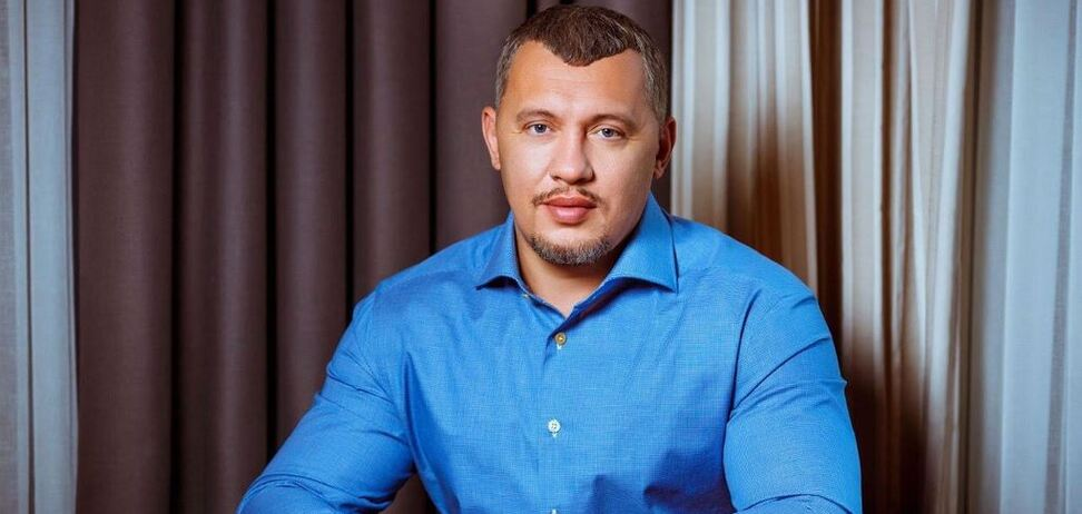 'Дарите и принимайте любовь!' Мунтян поздравил украинок с 8 Марта