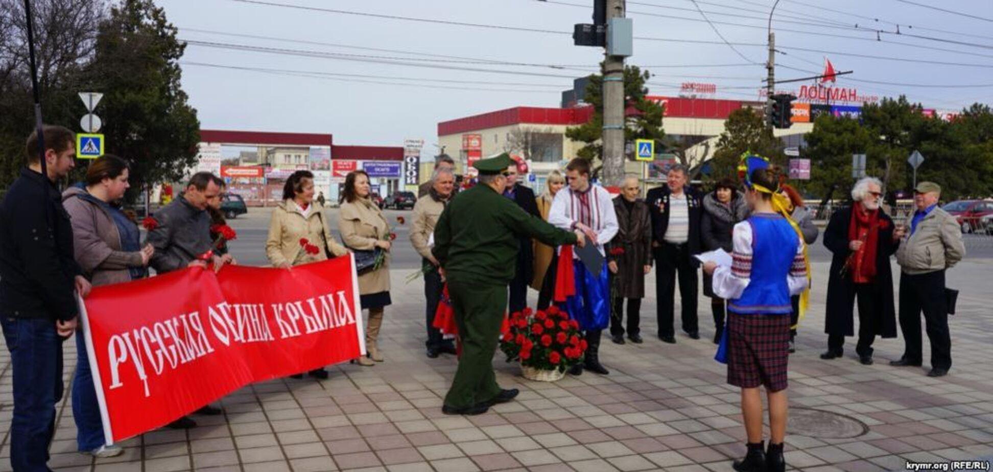 ''Б*ндеровцы используют'': в Крыму устроили пророссийскую провокацию с Шевченко