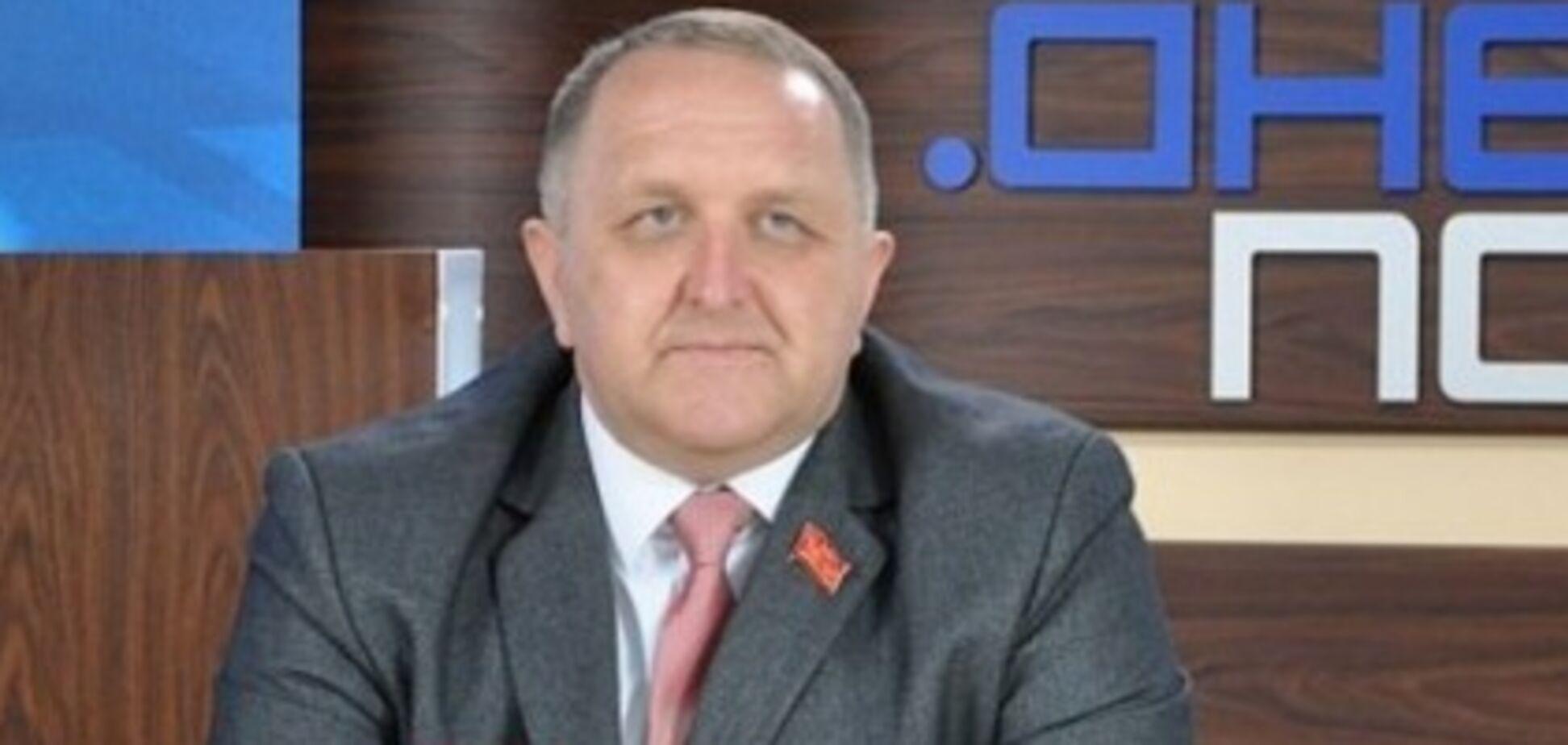 Пришел с паспортом 'СССР': на выборах в Днепре задержали чиновника-фаната Кремля