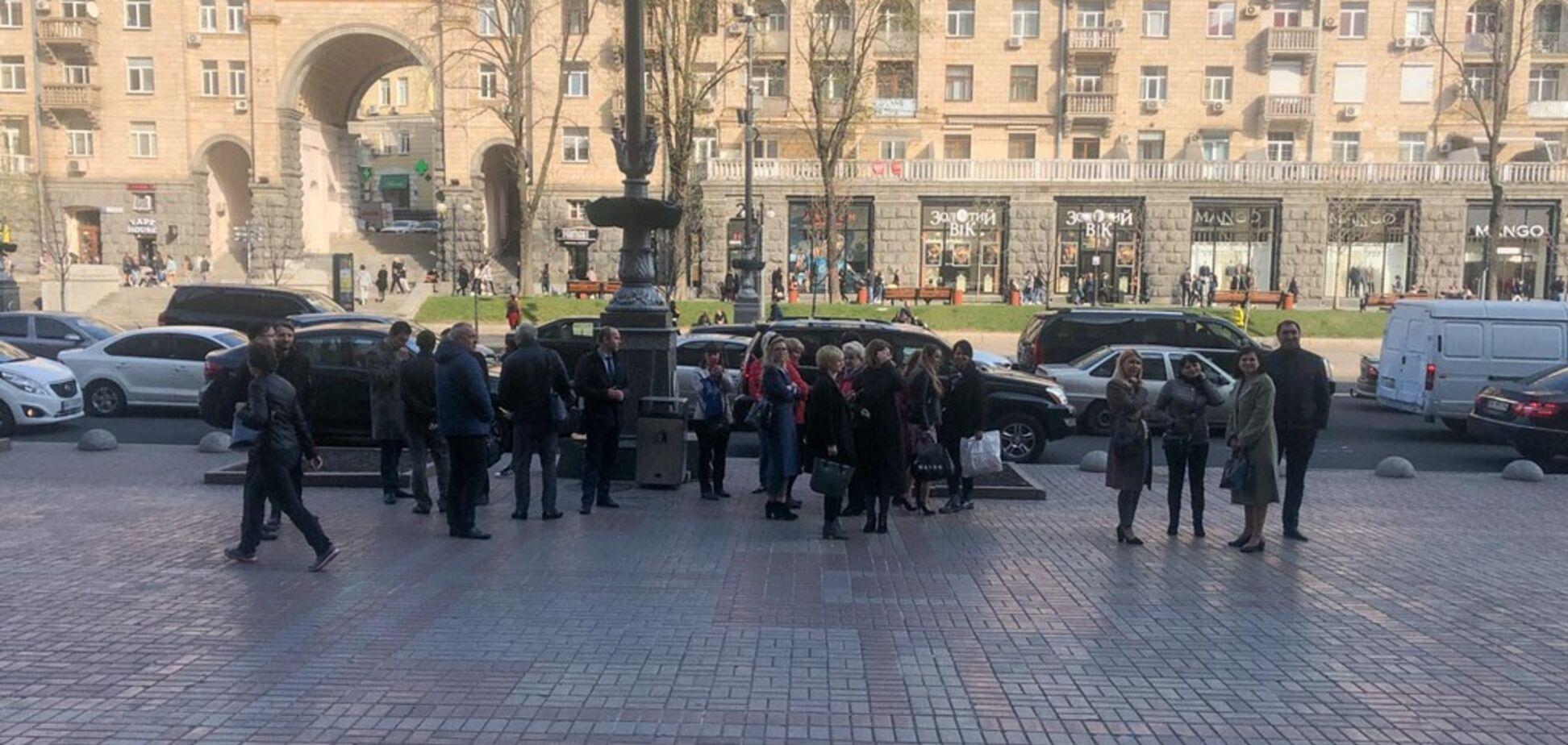 Обещали взорвать через 12 часов: в Киеве 'заминировали' КГГА